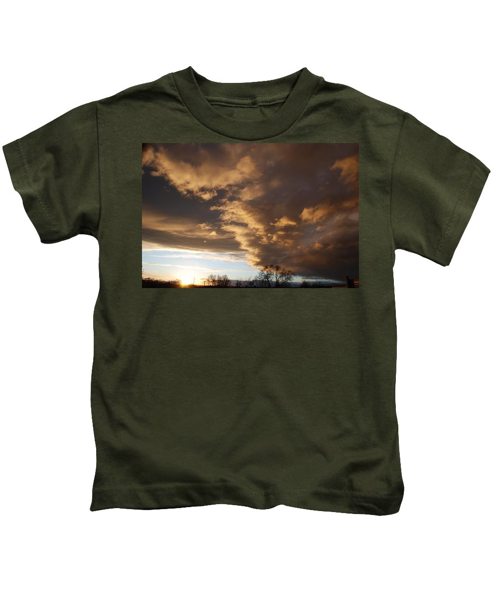 Sunset Kids T-Shirt featuring the photograph Sunset At The New Mexico State Capital by Rob Hans