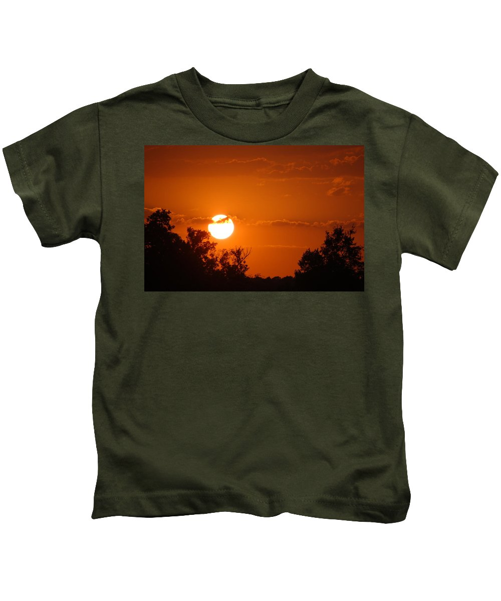 Sunset Kids T-Shirt featuring the photograph Sunset In Charleston by Donna Bentley