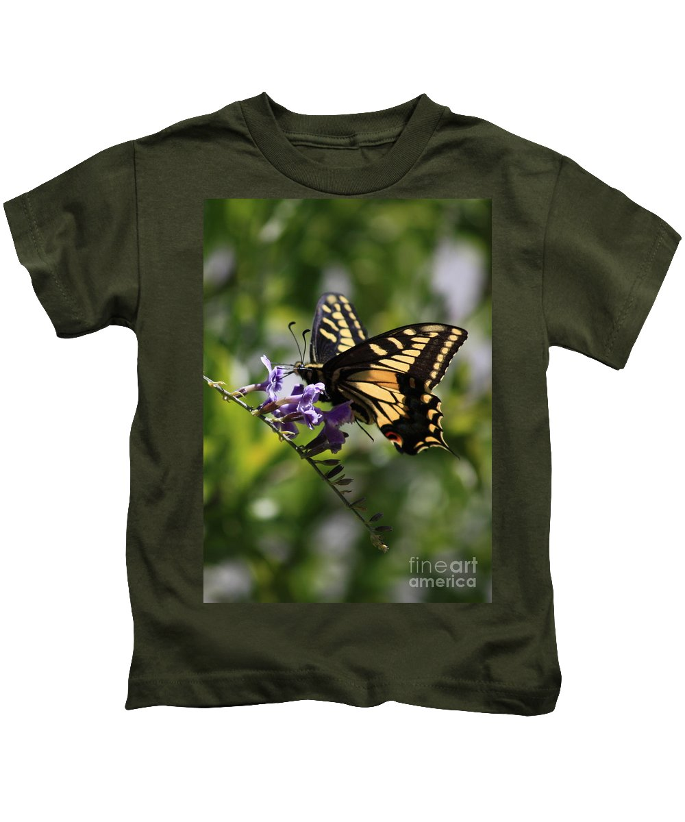 Swallowtail Butterfly Kids T-Shirt featuring the photograph Swallowtail Butterfly 1 by Carol Groenen