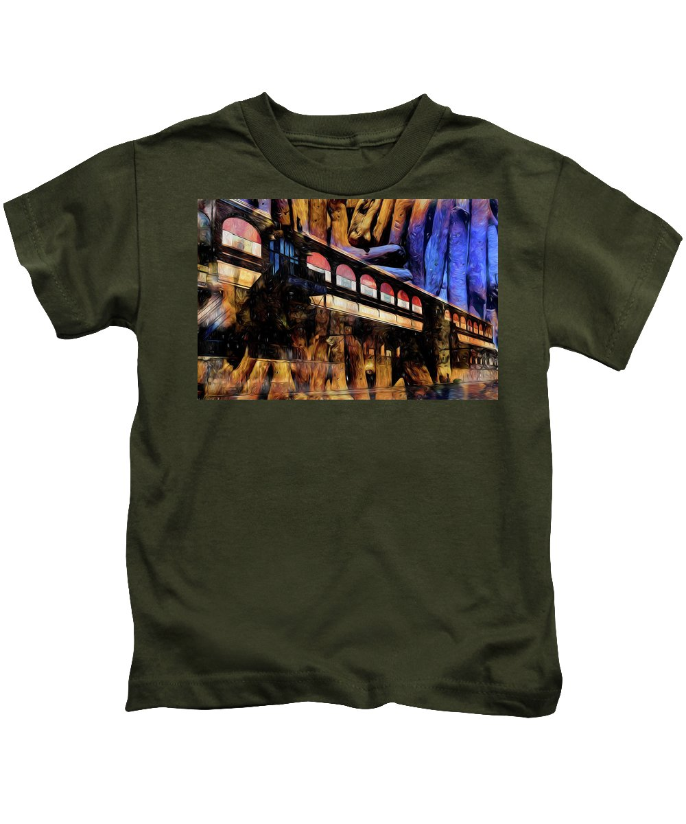 Central Terminal Kids T-Shirt featuring the photograph Terminal by Richard Ricci