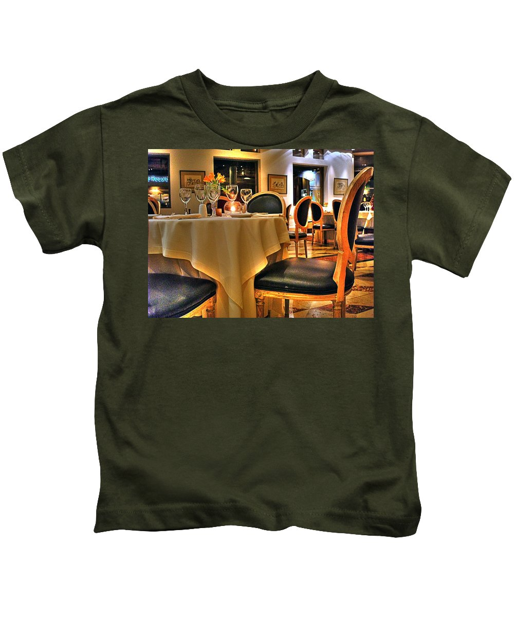 Chair Kids T-Shirt featuring the photograph The Empty Chair by Francisco Colon