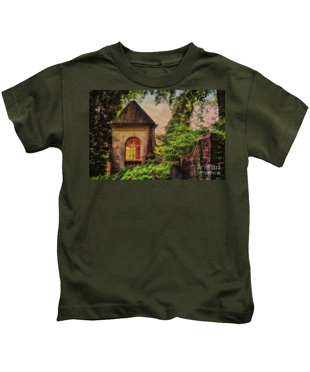 House Kids T-Shirt featuring the photograph The Hideaway by Lois Bryan