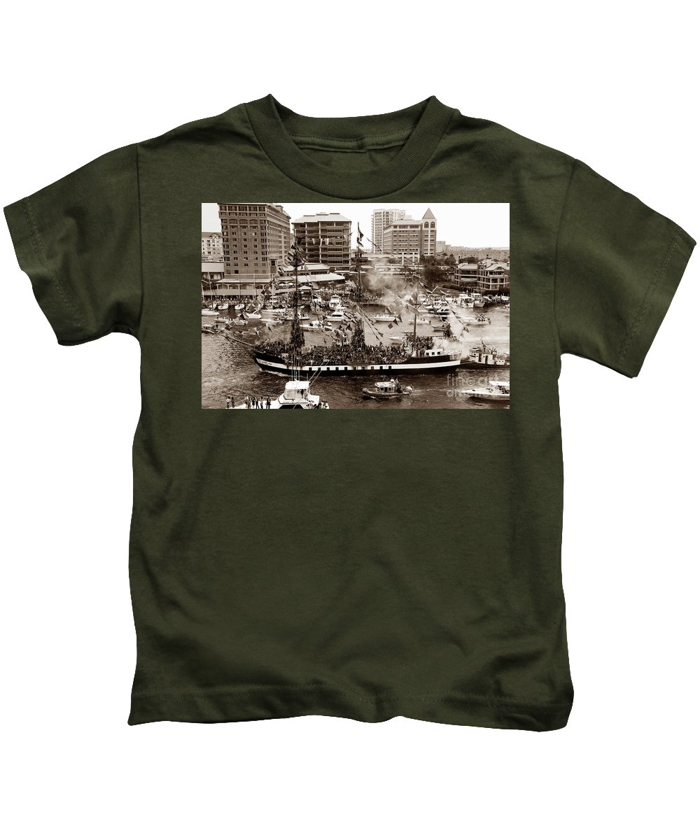 Gasparilla Kids T-Shirt featuring the photograph The Old Crew Of Gaspar by David Lee Thompson