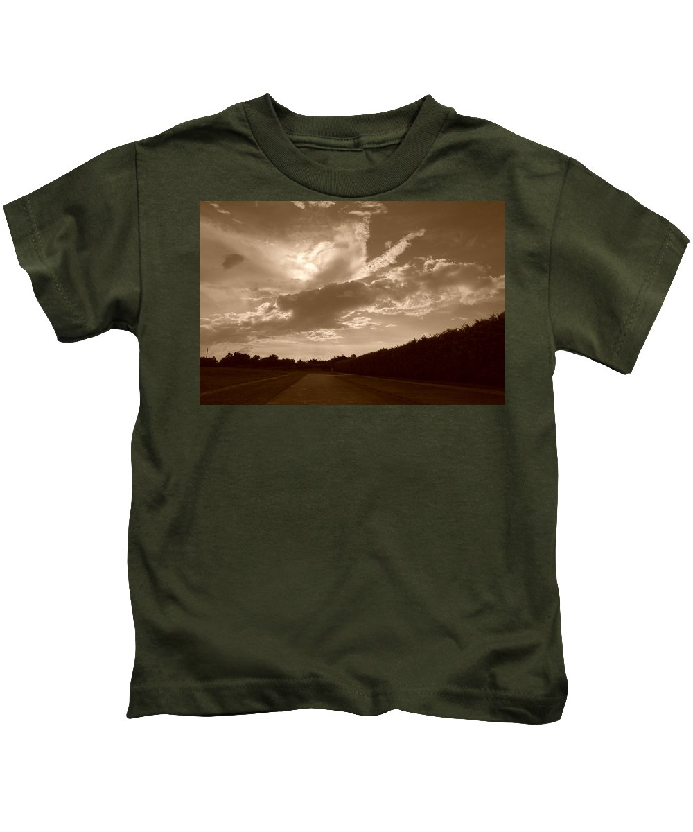 Sepia Kids T-Shirt featuring the photograph The Old Homestead by Rob Hans