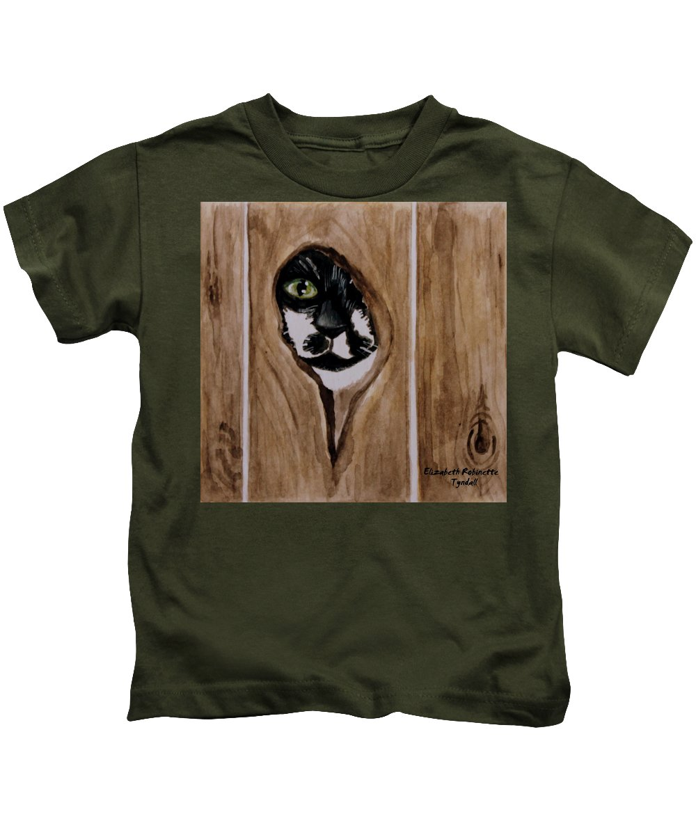 Cats Kids T-Shirt featuring the painting Through The Knothole by Elizabeth Robinette Tyndall