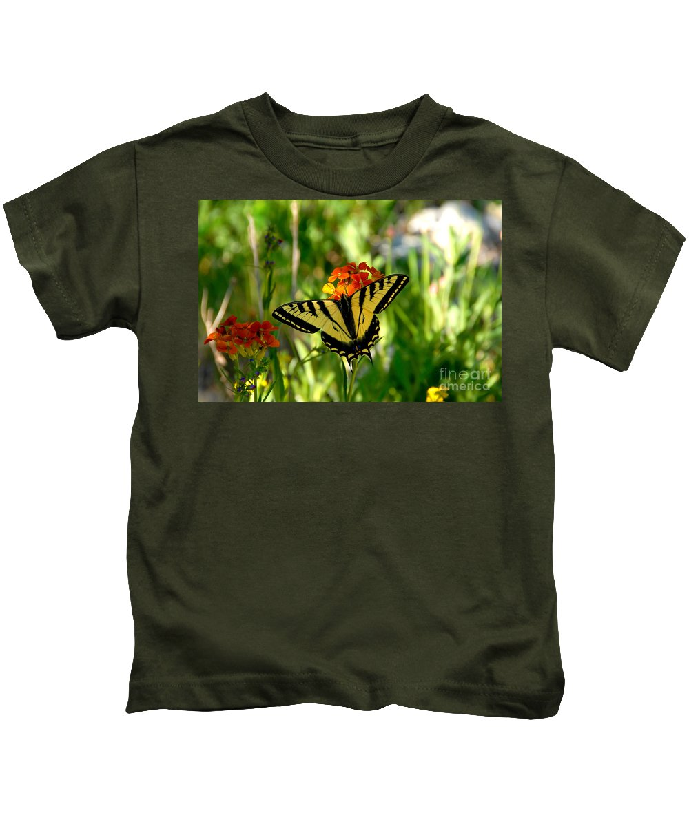 Tiger Tail Butterfly Kids T-Shirt featuring the photograph Tiger Tail Beauty by David Lee Thompson