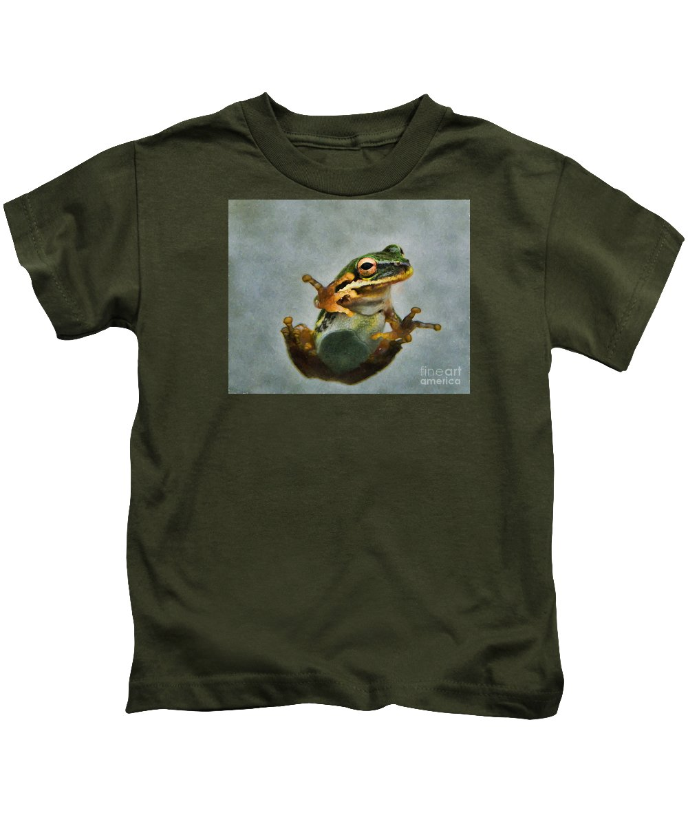 Tree Kids T-Shirt featuring the photograph Tree Frog by Kelley Freel-Ebner