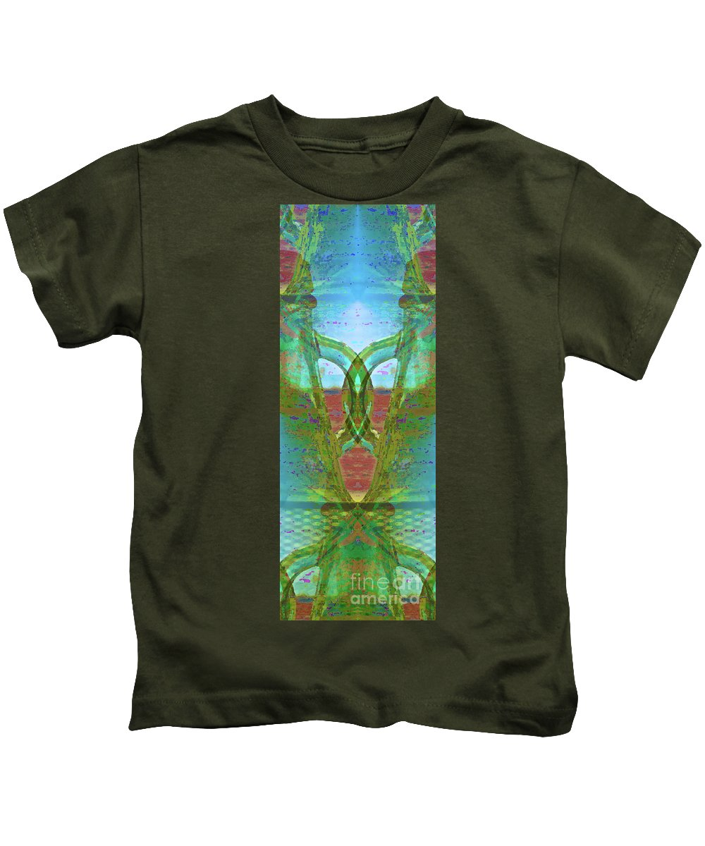 Abstract Kids T-Shirt featuring the photograph True Form by Gwyn Newcombe