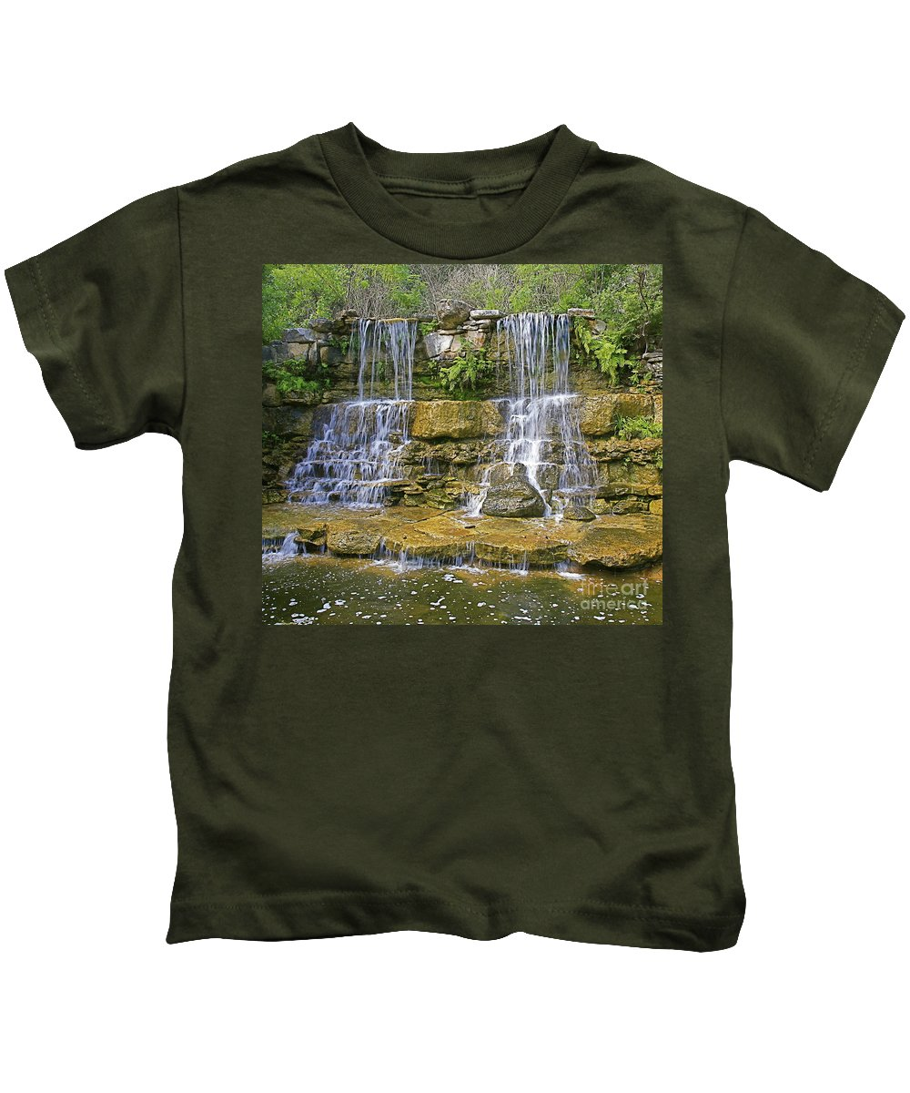 Waterfalls Kids T-Shirt featuring the photograph Twin Falls by Robert Pearson