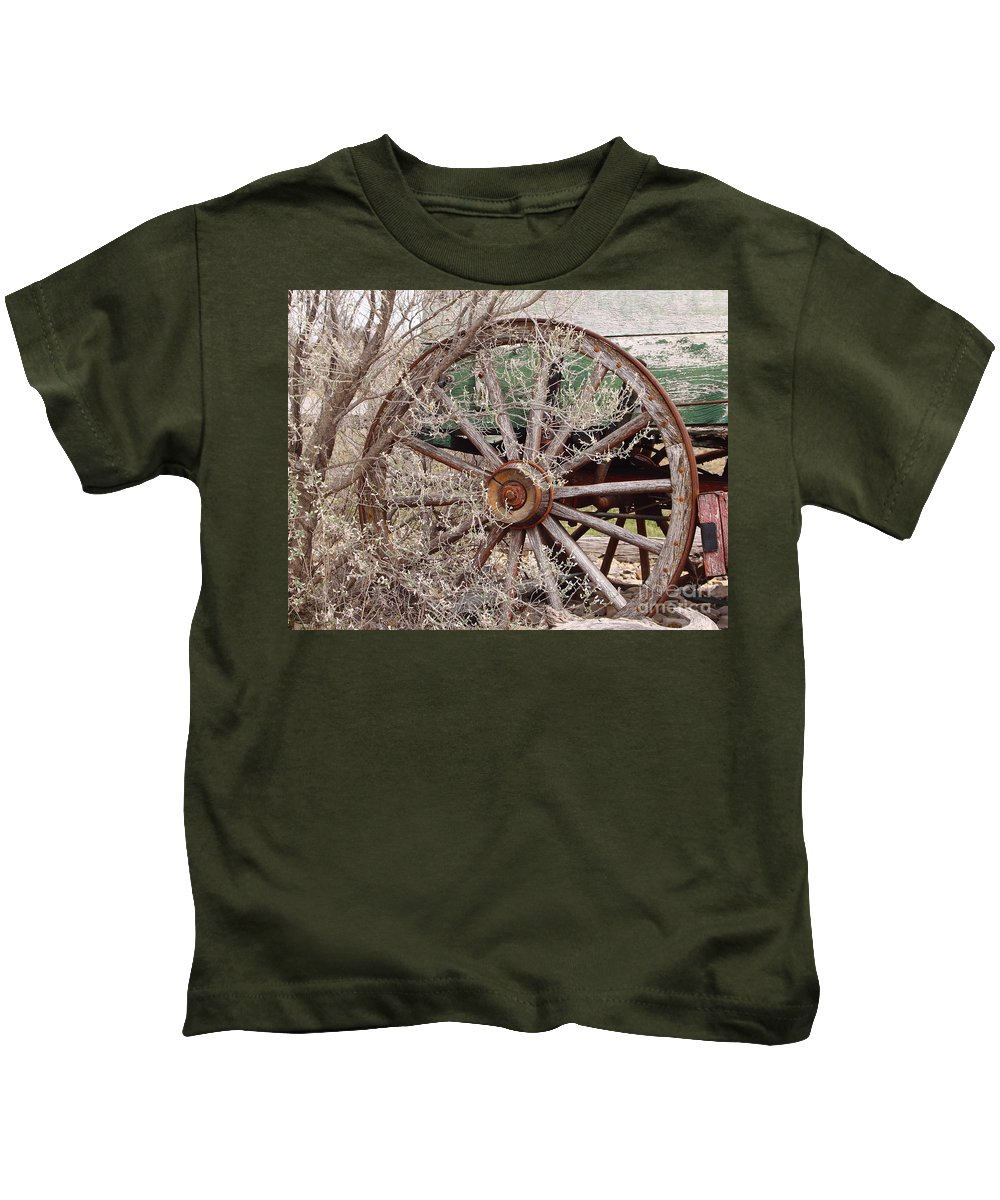 Wagon Kids T-Shirt featuring the photograph Wagon Wheel by Robert Frederick