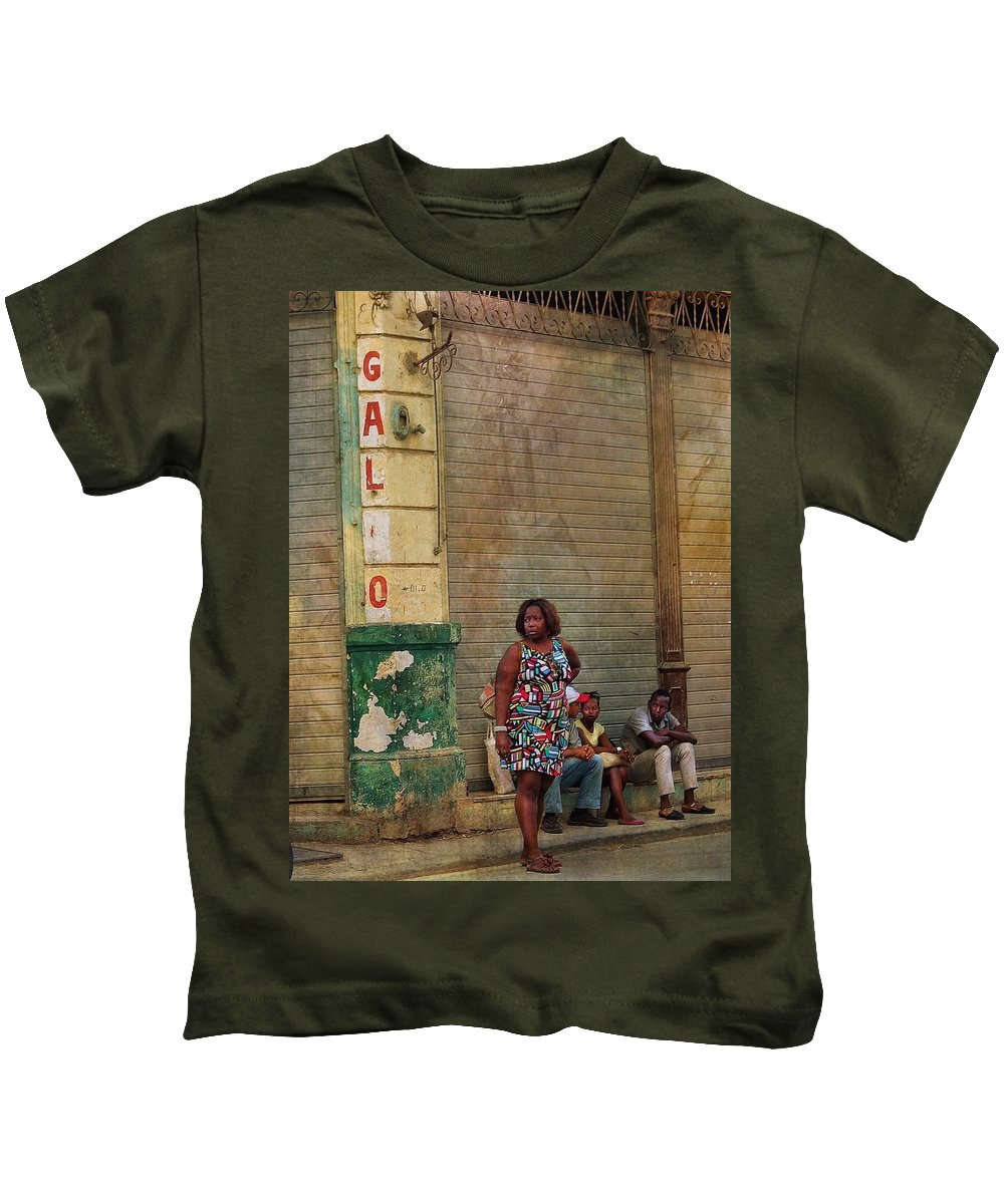 Kids T-Shirt featuring the photograph Waiting On A Ride by Robert Mepham