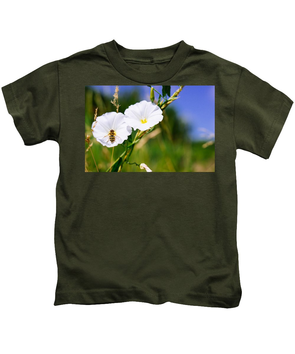 Wasp Kids T-Shirt featuring the photograph Wasp On A White Flower by Pati Photography