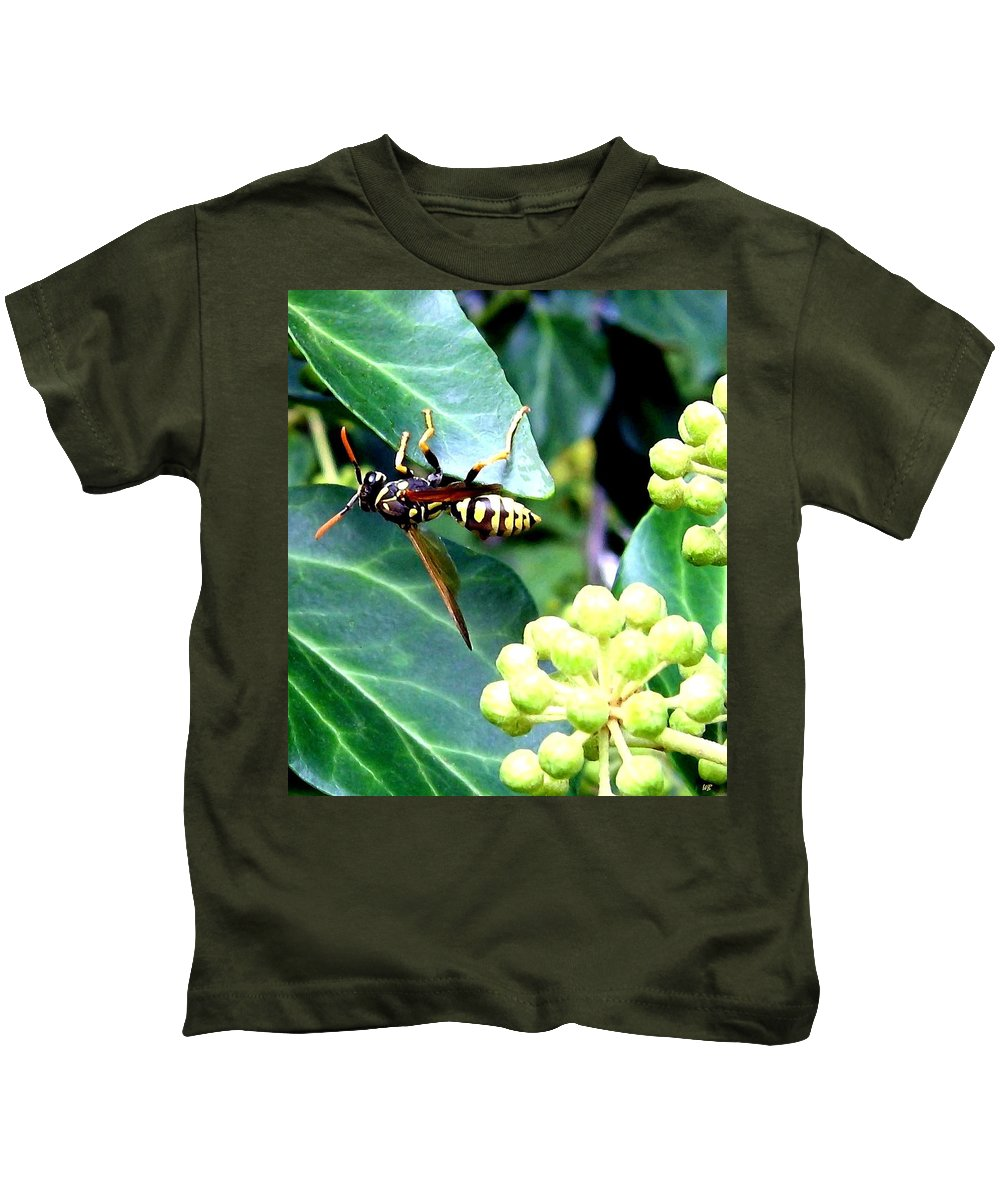 Wasp Kids T-Shirt featuring the photograph Wasp On The Ivy by Will Borden