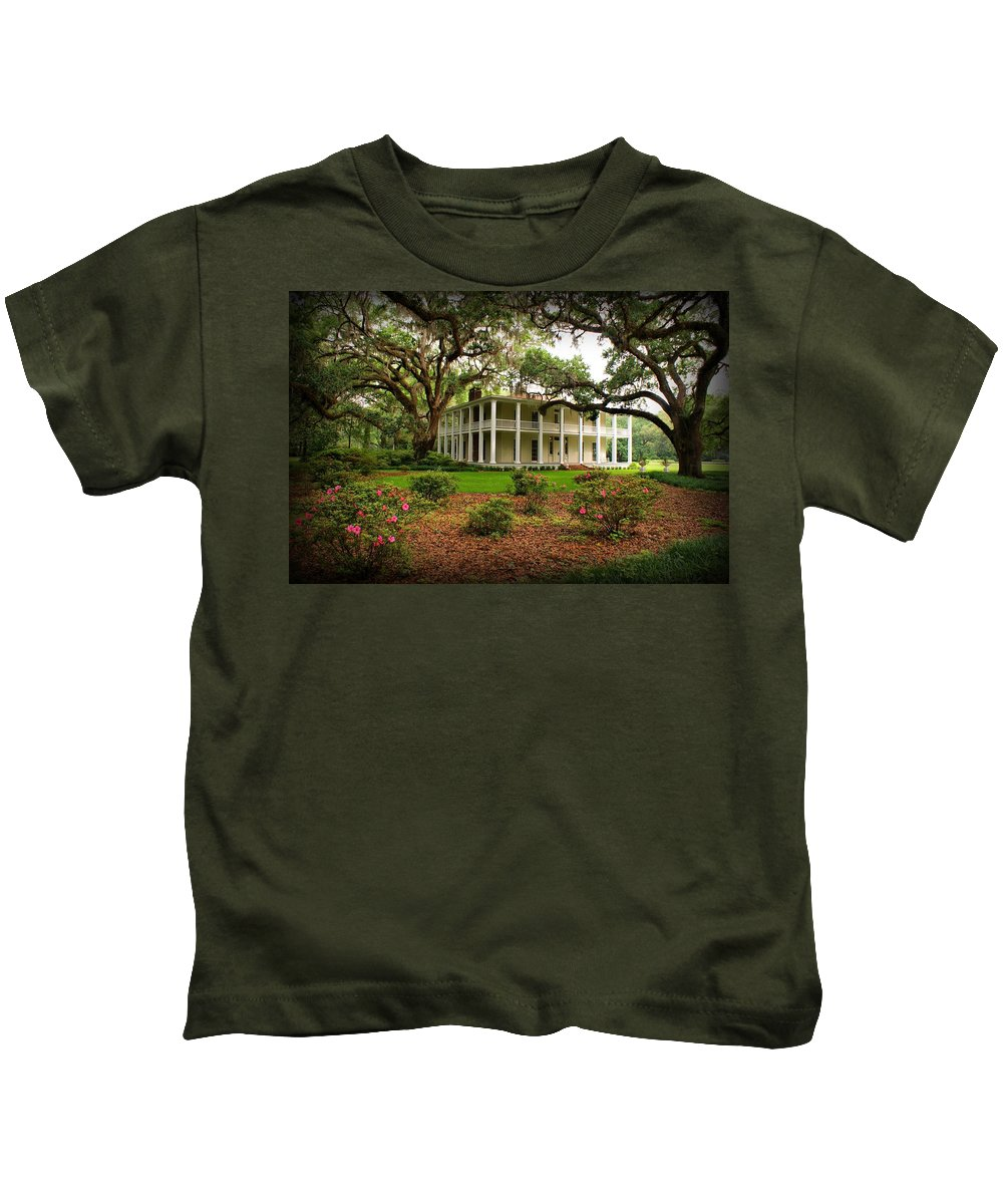Eden State Park Kids T-Shirt featuring the photograph Wesley House by Sandy Keeton