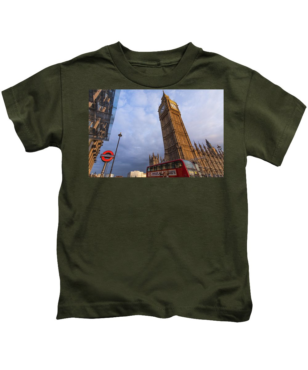 Kids T-Shirt featuring the photograph Westminster Station by Jared Windler