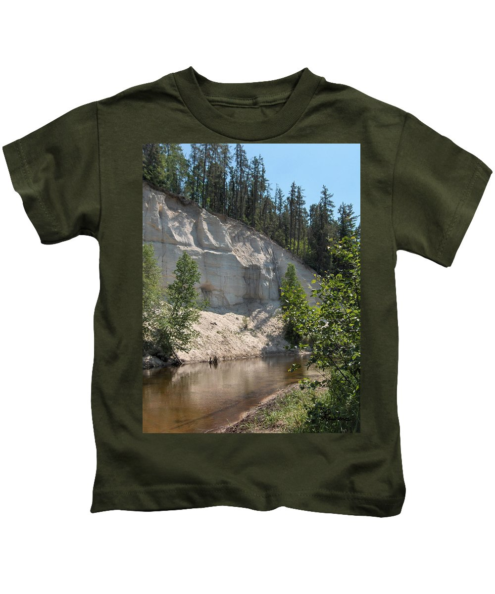 River Sand Cliffs Clear Water Evergreens Trees Natural Beauty Shore Piprell Lake Saskatchewan Kids T-Shirt featuring the photograph White Sands Cliff by Andrea Lawrence