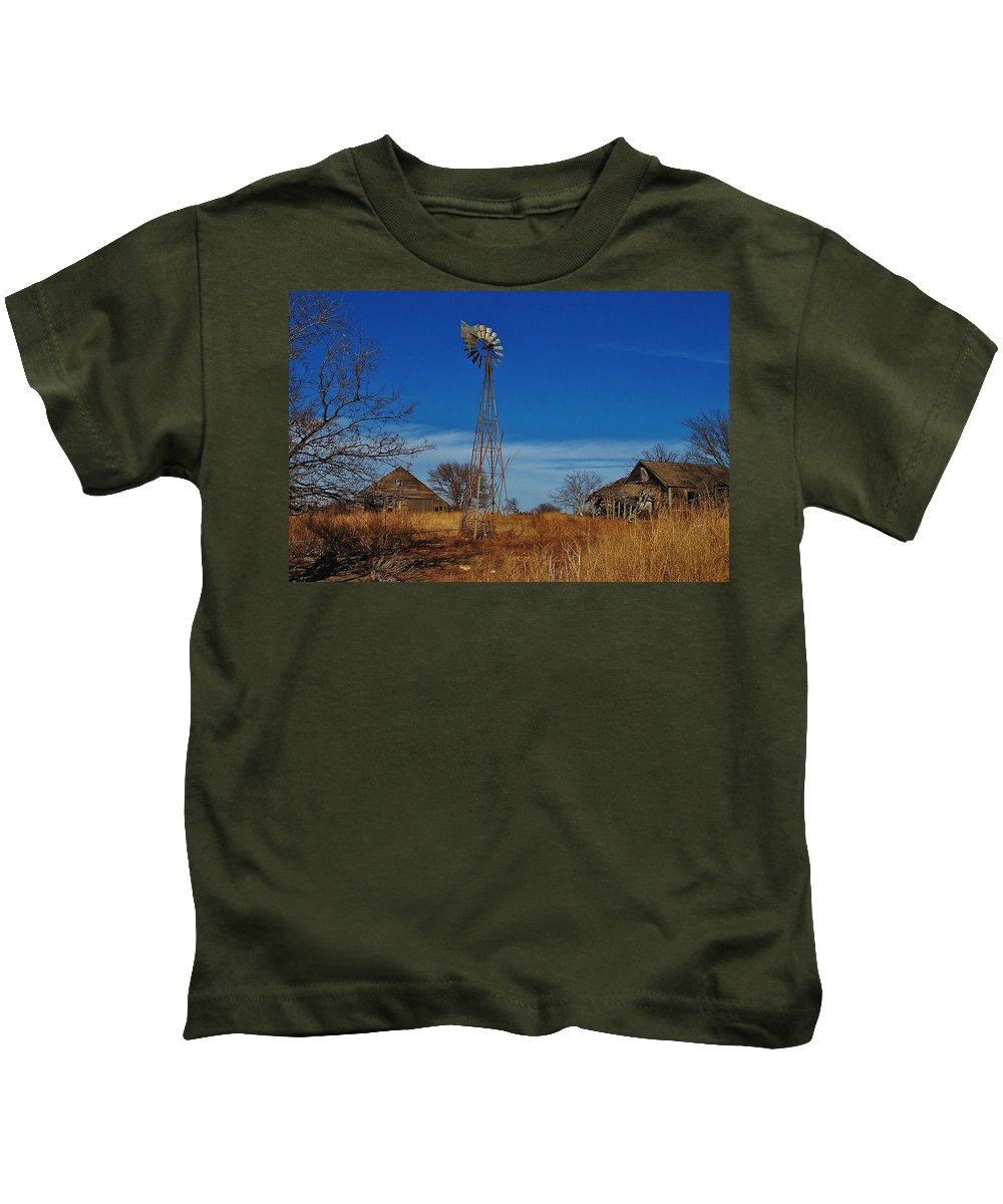 Windmill Kids T-Shirt featuring the photograph Windmill At An Old Farm In Kansas by Greg Rud