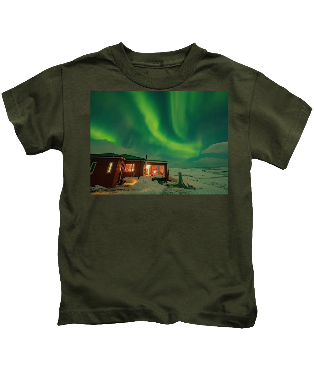 Guesthouse Kids T-Shirt featuring the photograph Winter Cabin Fantasy by Dan Leffel