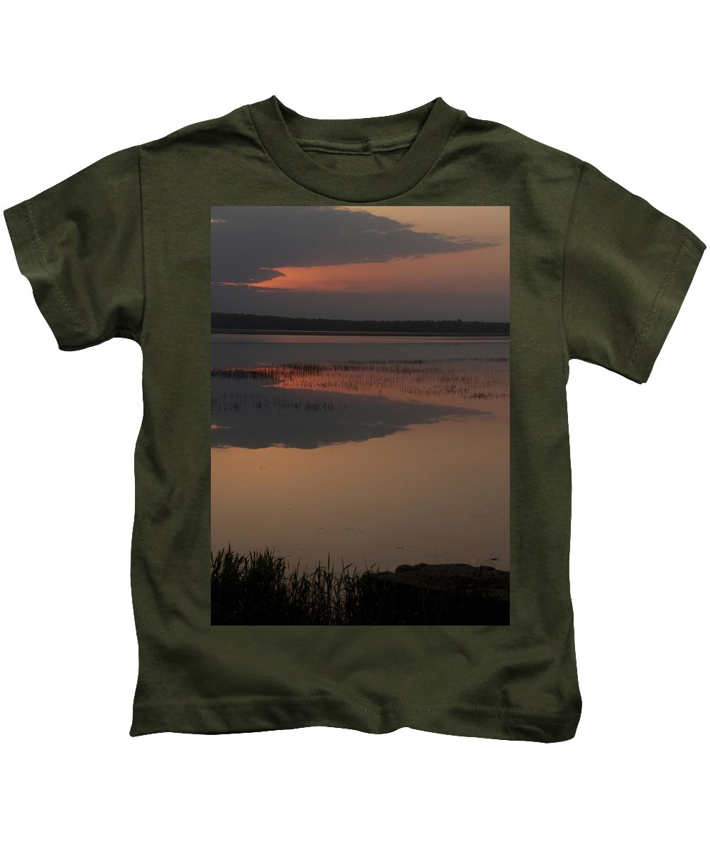 Sunrise Kids T-Shirt featuring the photograph Worden's Pond Sunrise 1 by Steven Natanson