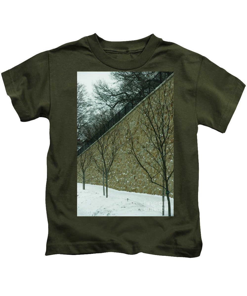 Grand Rapids Kids T-Shirt featuring the photograph Your Line Of Direction by Linda Shafer