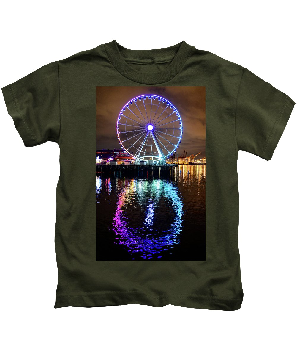Ferris Wheel Kids T-Shirt featuring the photograph The Great Wheel by Michael Marlow
