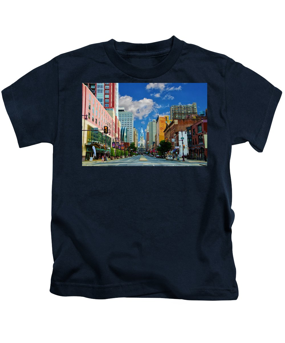 Broad Kids T-Shirt featuring the photograph Broad Street - Avenue Of The Arts by Bill Cannon