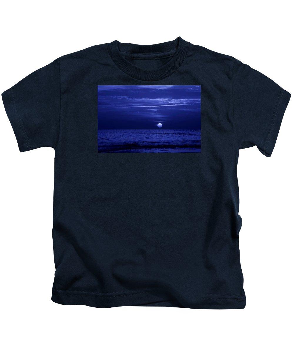 Panama City Beach Kids T-Shirt featuring the photograph Blue Sunset by Sandy Keeton
