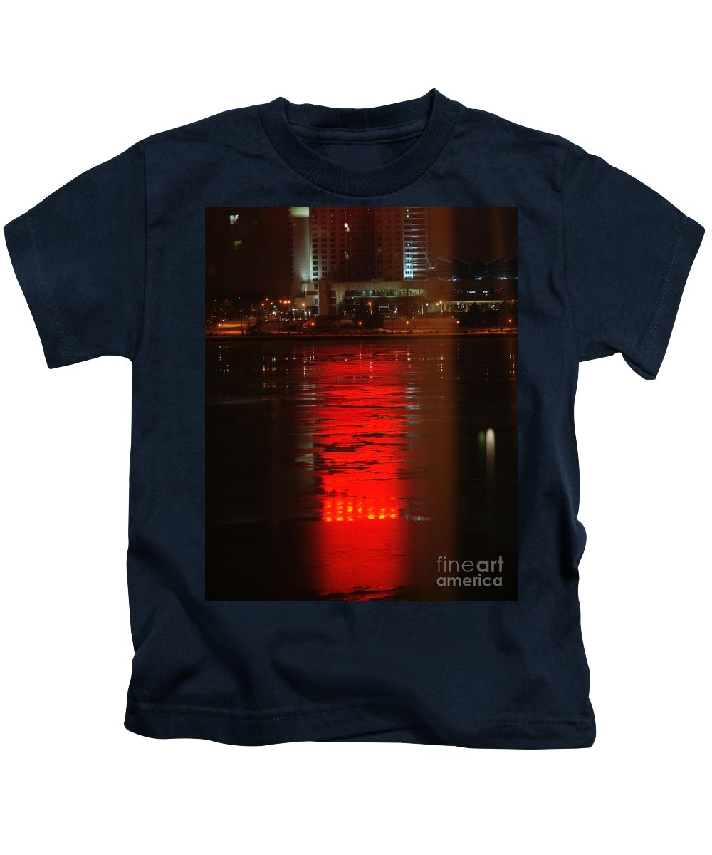 Winter Kids T-Shirt featuring the photograph Caesars Reflection by Linda Shafer