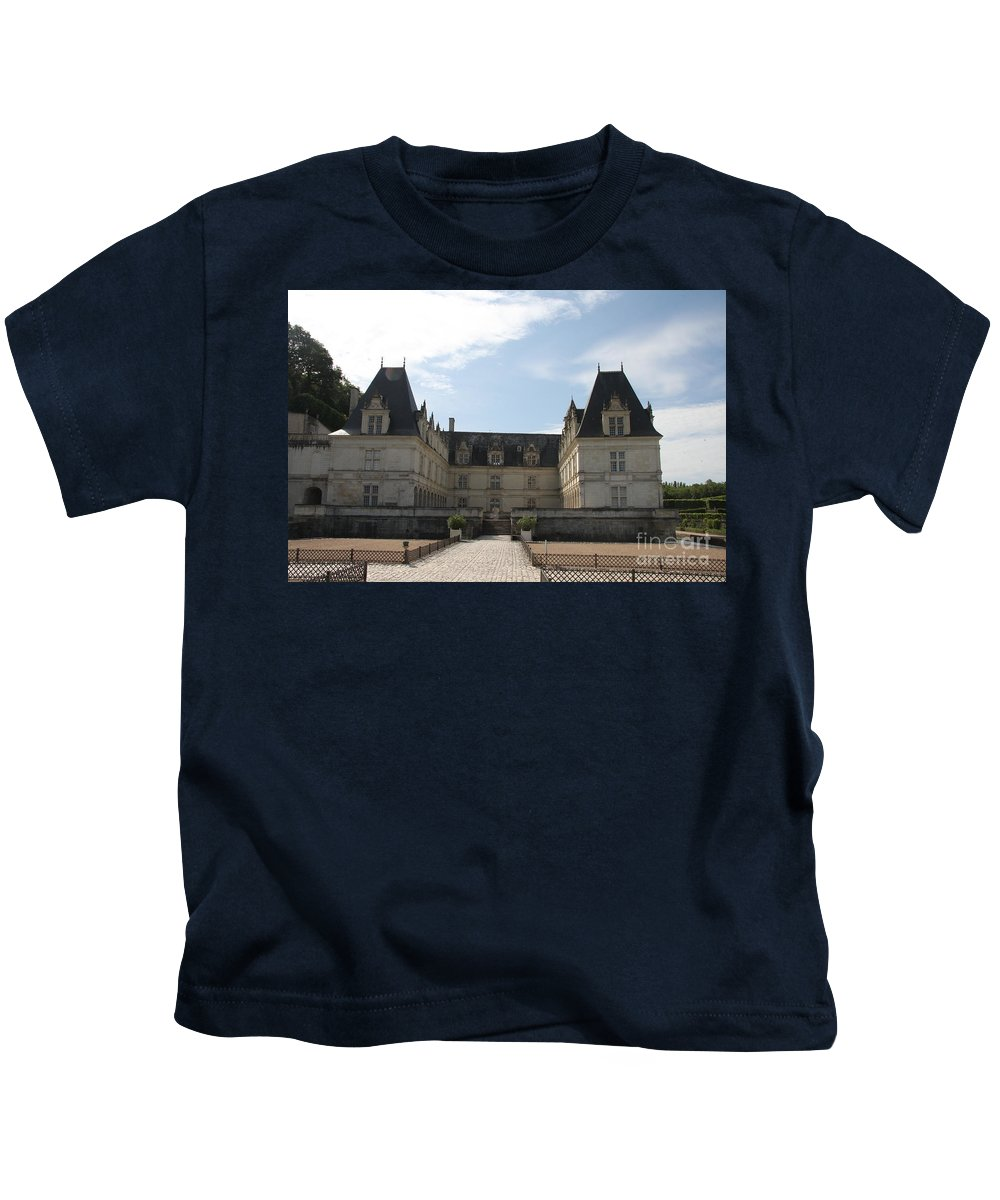 Palace Kids T-Shirt featuring the photograph Chateau Villandry by Christiane Schulze Art And Photography