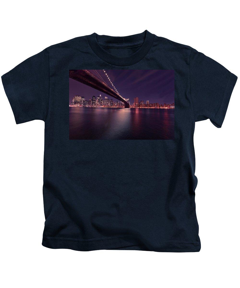 Brooklyn Bridge Kids T-Shirt featuring the photograph New York Brooklyn Bridge At Night by David Dehner