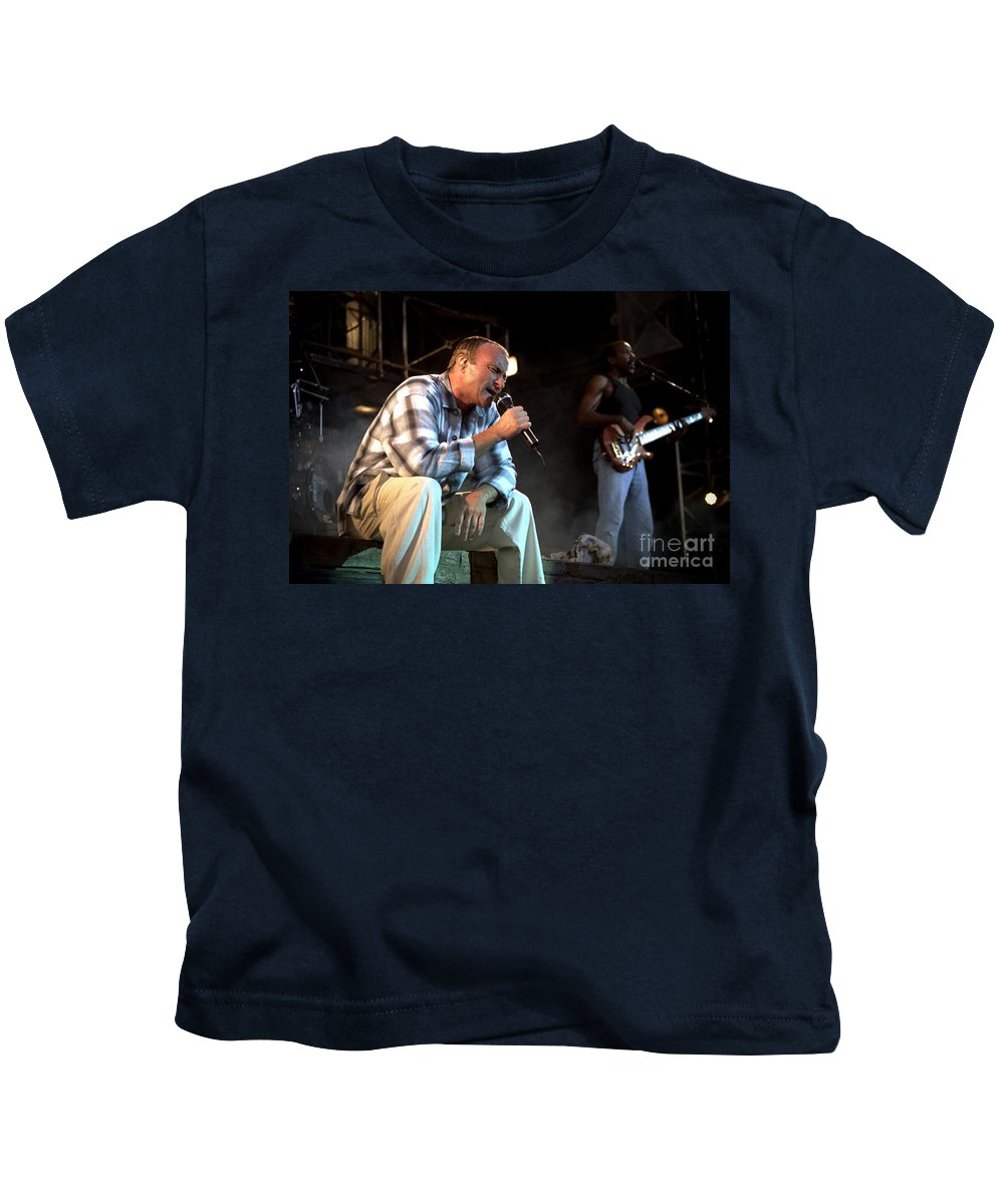 Phil Collins Kids T-Shirt featuring the photograph Phil-gp05 by Timothy Bischoff