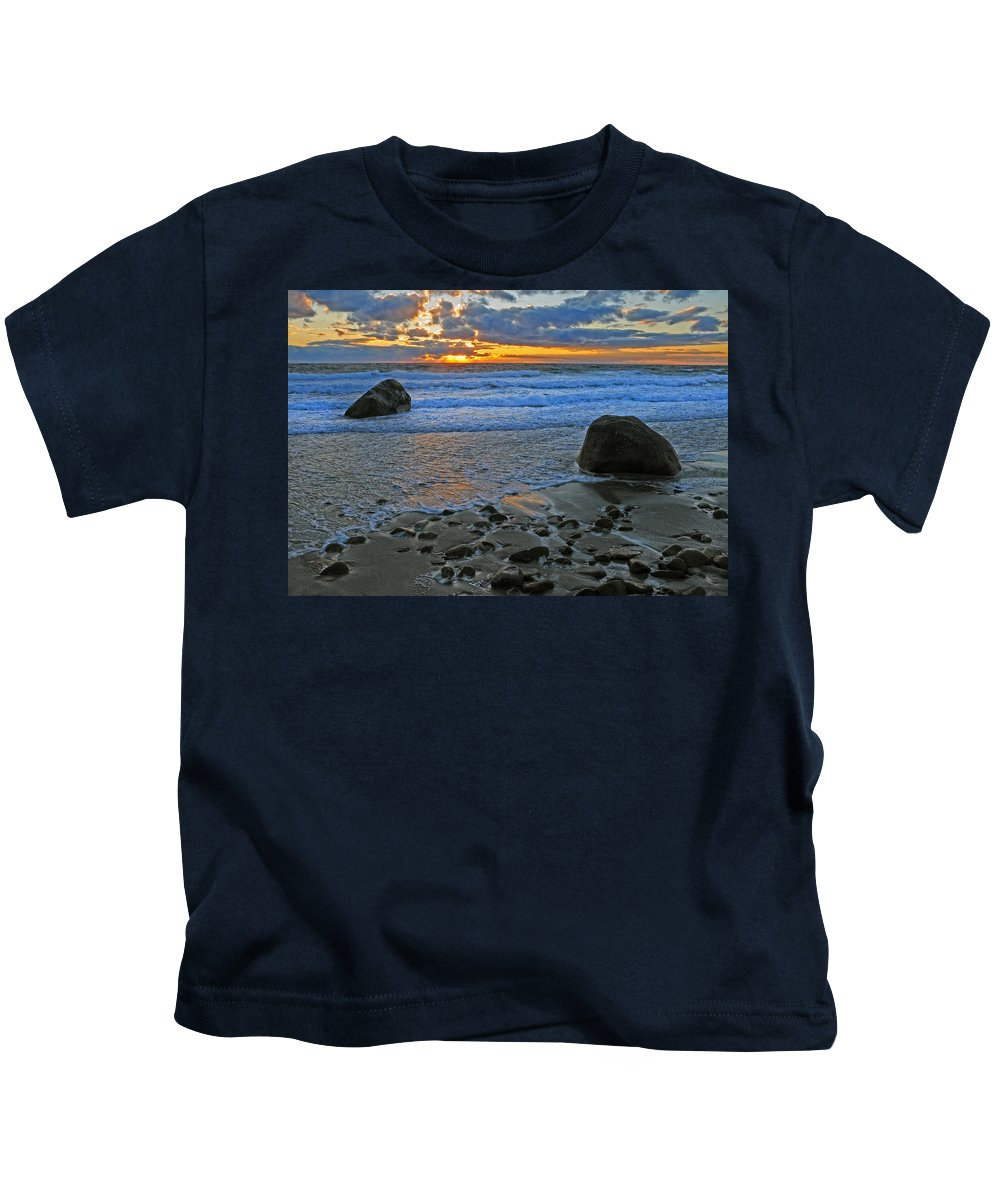Marthas Vineyard Kids T-Shirt featuring the photograph Seascape At Marthas Vineyard by Dave Mills