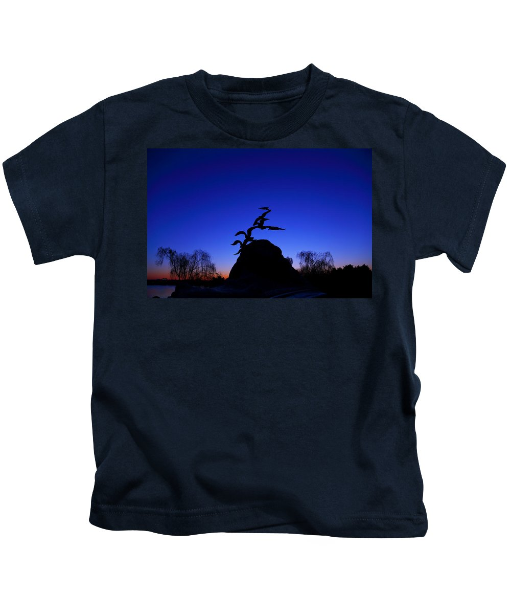Metro Kids T-Shirt featuring the photograph Sunrise At The Navy Merchant Marine Memorial by Metro DC Photography