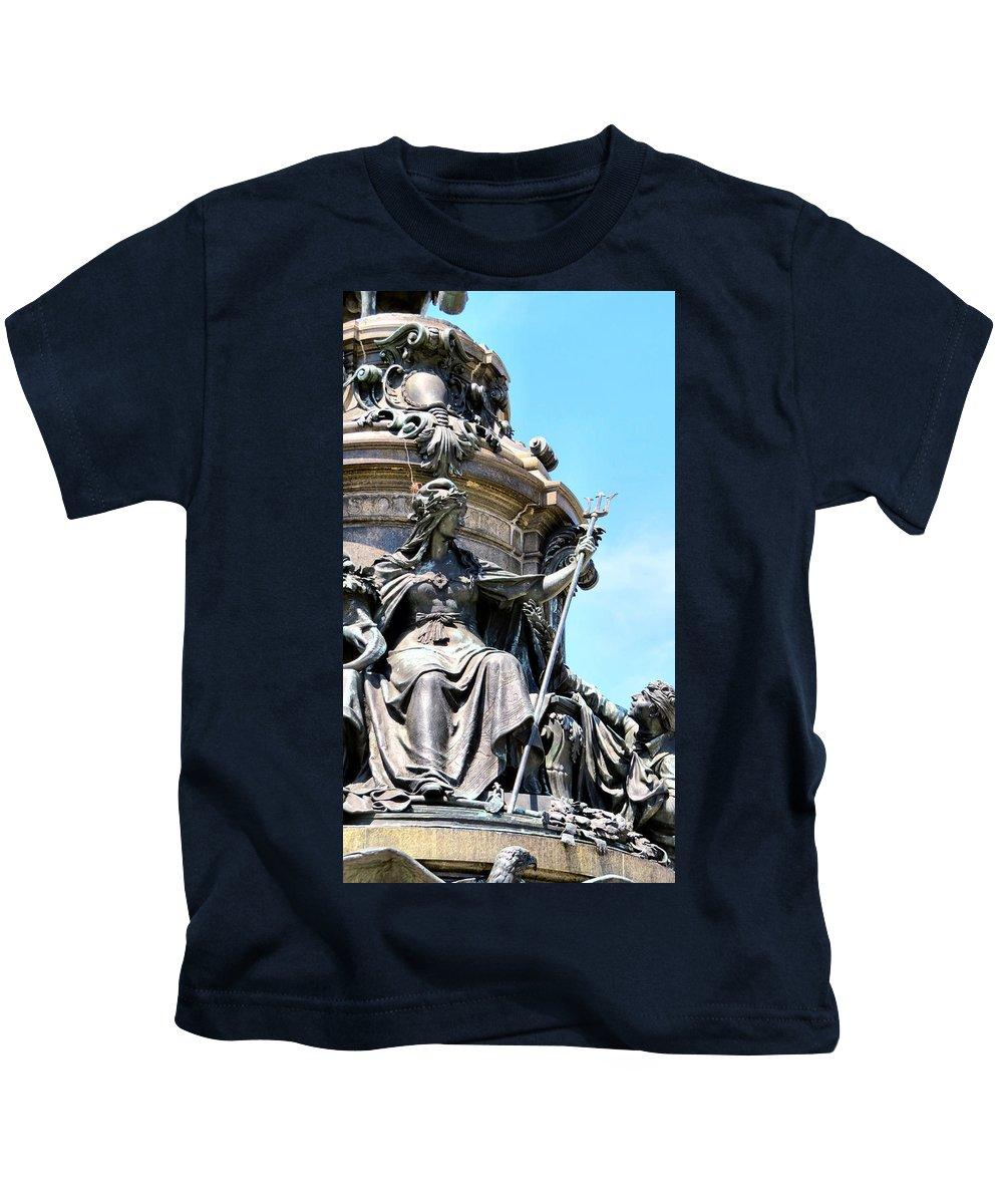 Philadelphia Kids T-Shirt featuring the photograph The Gods by Art Dingo