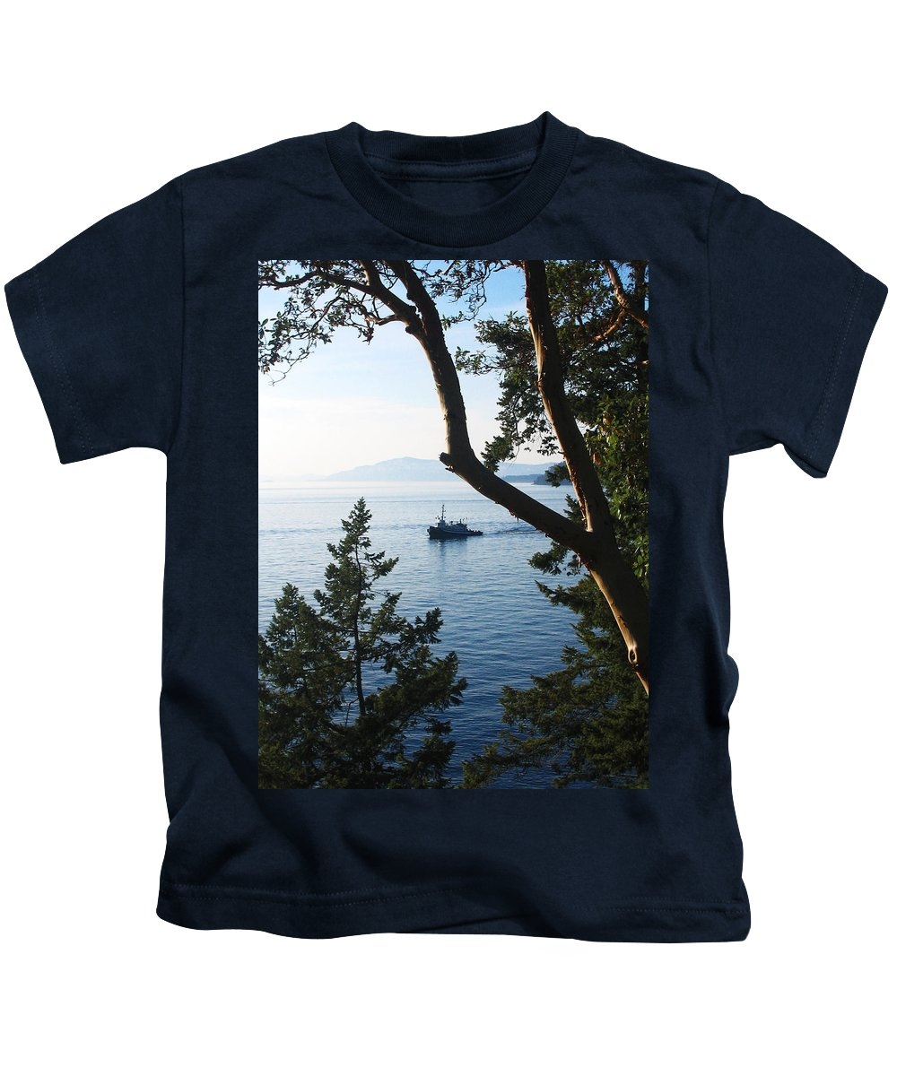 Tugboat Kids T-Shirt featuring the photograph Tugboat Passes by Lorraine Devon Wilke