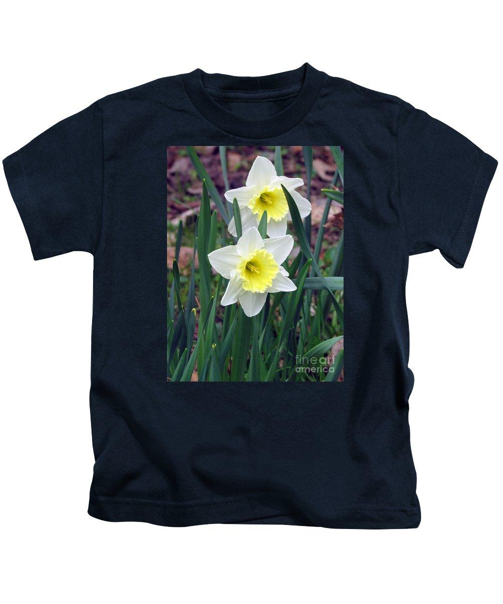 Jonquil Kids T-Shirt featuring the photograph Une Bonne Amie by Elizabeth Dow