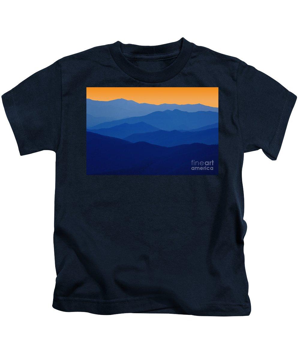 Graphic Kids T-Shirt featuring the photograph Blue Ridges - D005415 by Daniel Dempster