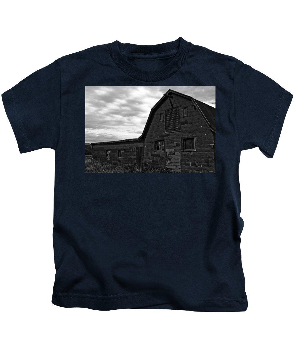 Barn Kids T-Shirt featuring the photograph Montana Barn by Joseph Noonan