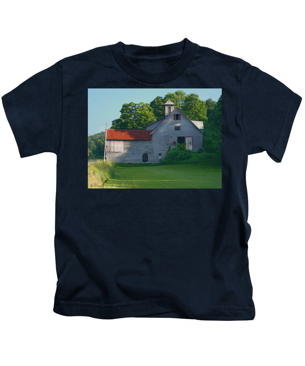 Barn Kids T-Shirt featuring the photograph Old Vermont Barn by Nancy Griswold