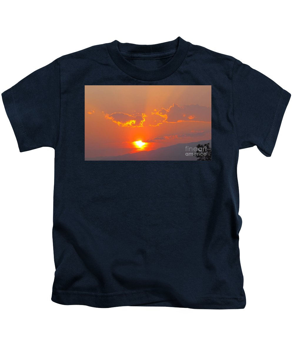 Sunset Kids T-Shirt featuring the photograph Reno At Sunset by Phyllis Kaltenbach