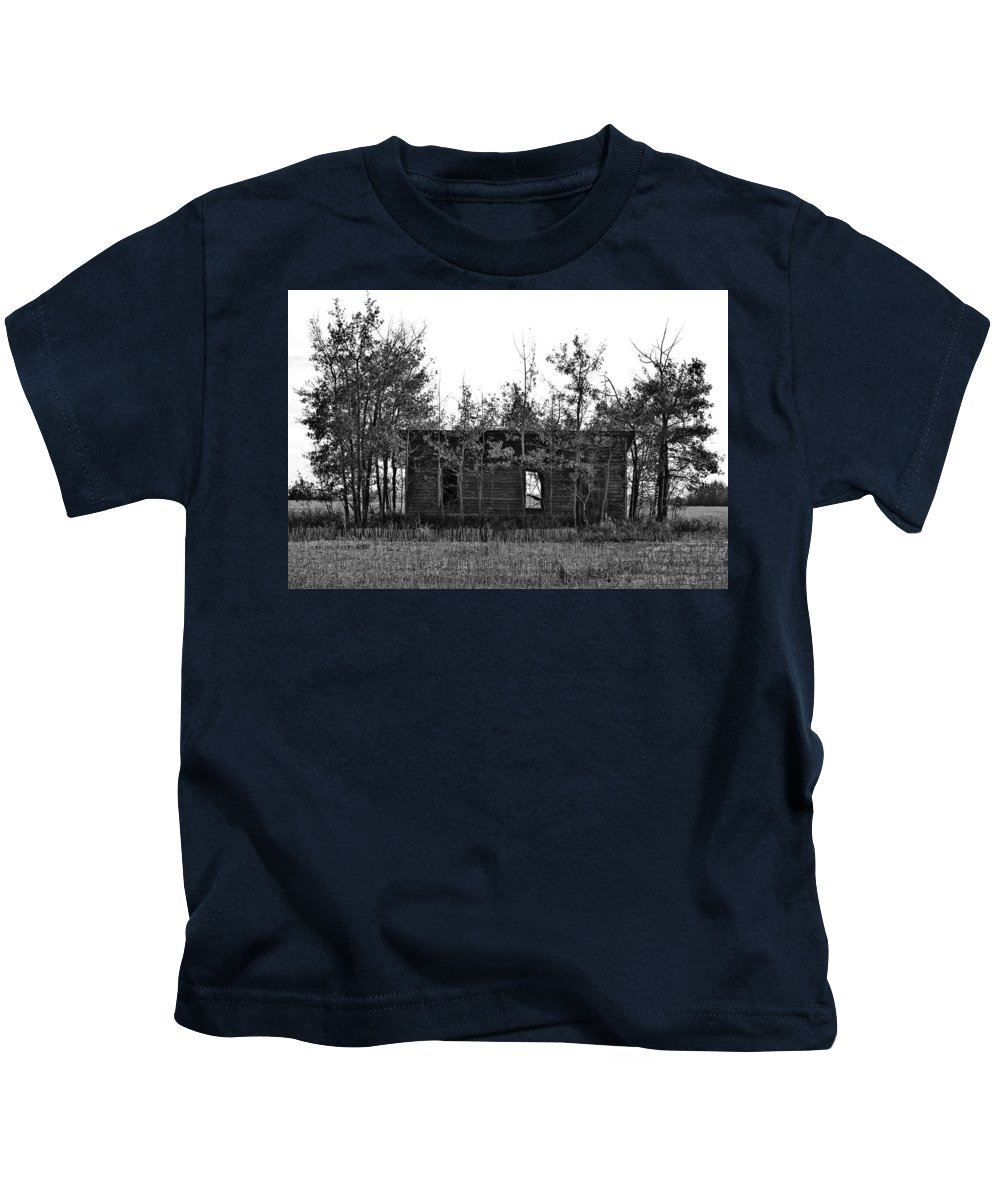 Street Photographer Kids T-Shirt featuring the photograph Wind And No Pain by The Artist Project