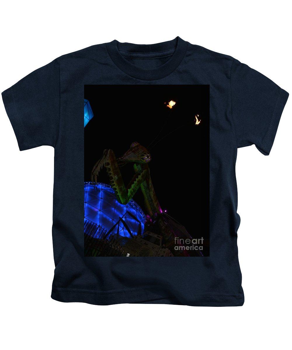 Los Vegas Kids T-Shirt featuring the photograph Be Afraid by Amanda Kessel