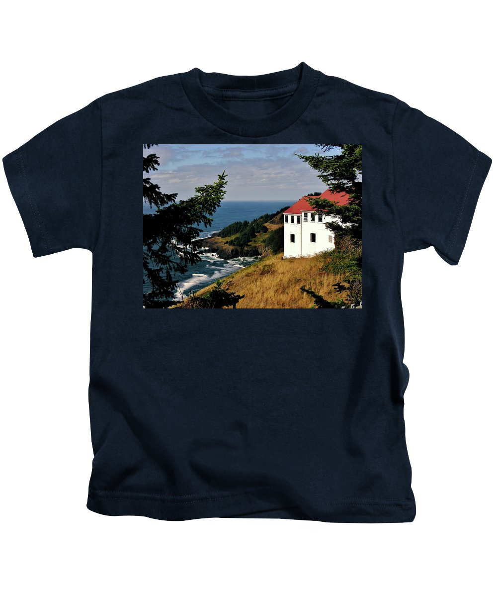 Cape Foulweather Point Kids T-Shirt featuring the photograph Cape Foulweather Point by Marilyn Smith
