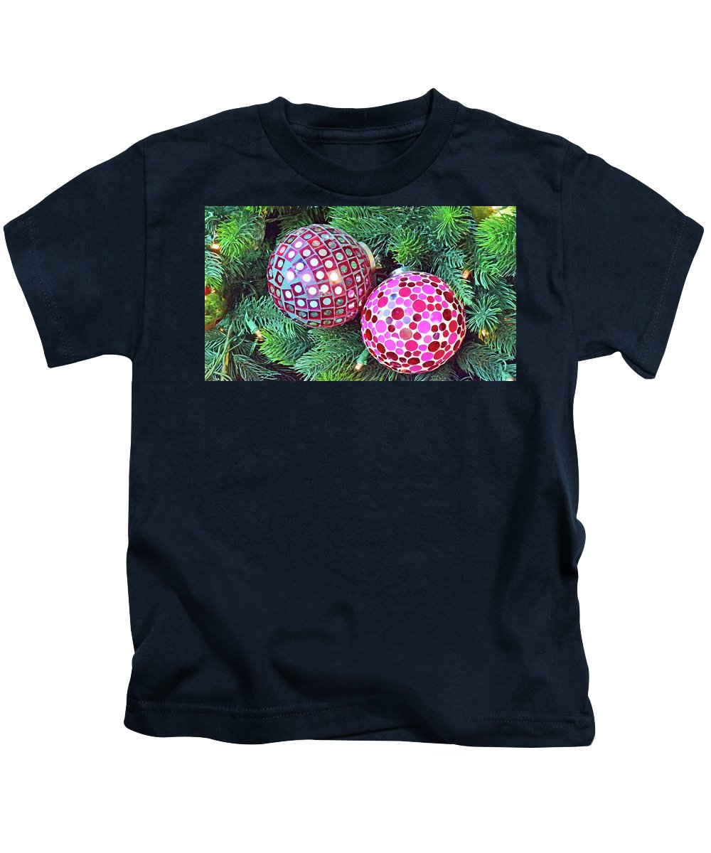 Christmas Dots Kids T-Shirt featuring the photograph Christmas Dots No. 1-1 by Sandy Taylor