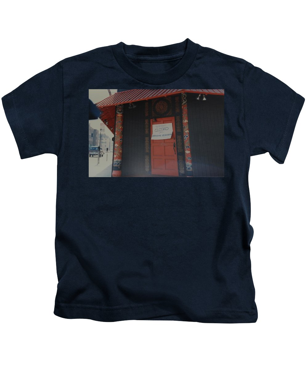 Art Kids T-Shirt featuring the photograph Closed For Earthquake by Rob Hans
