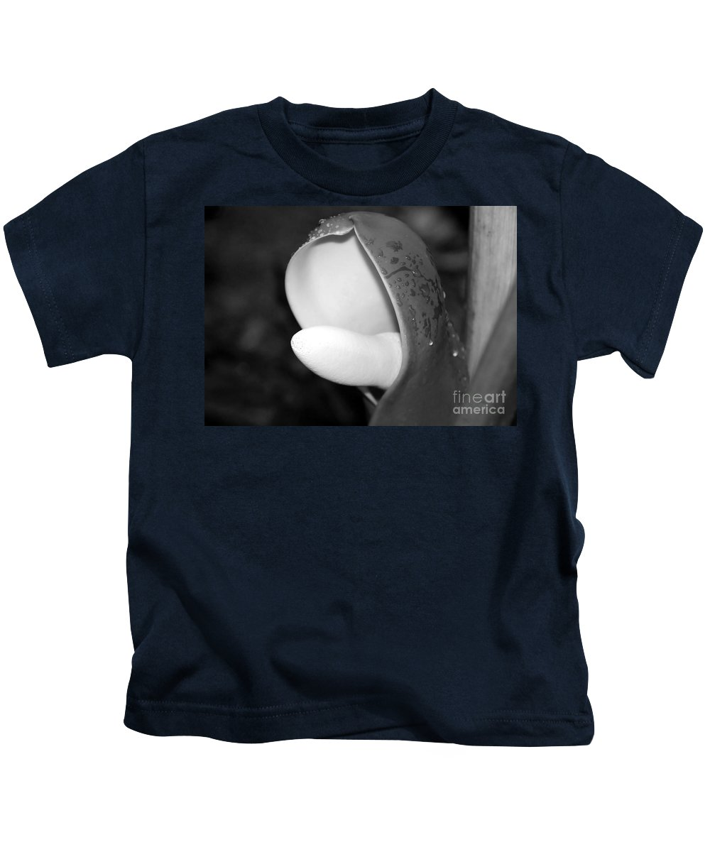 Flower Kids T-Shirt featuring the photograph Flowering by David Lee Thompson