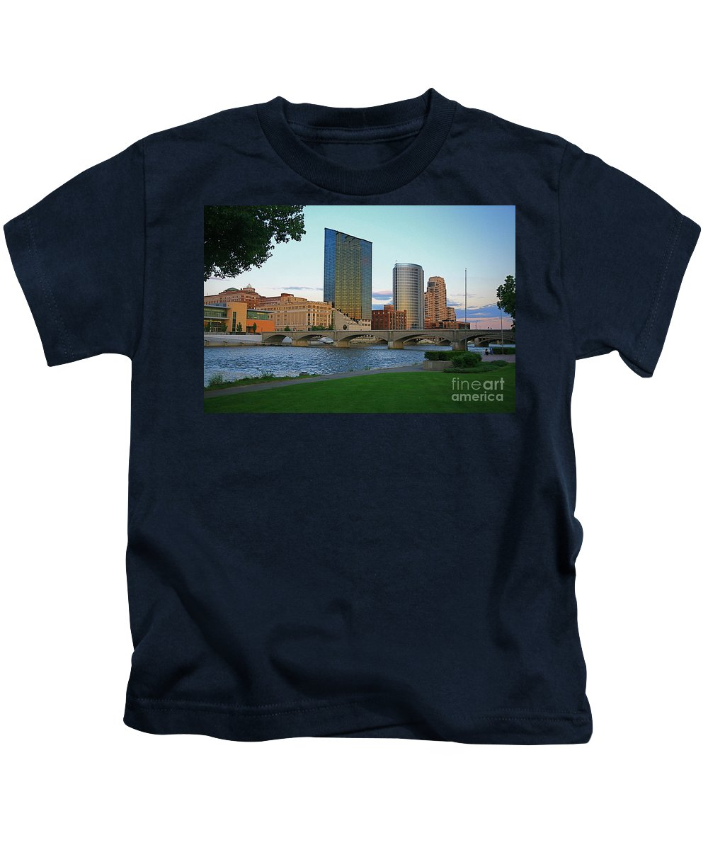 Sky Line Kids T-Shirt featuring the photograph Grand Rapids Mi-3 by Robert Pearson