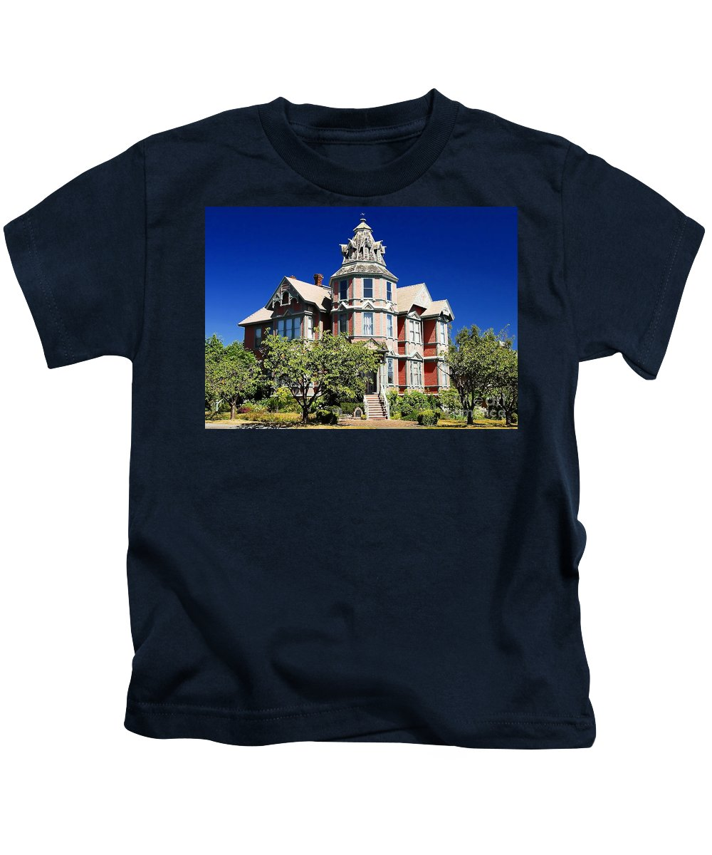 Russian Orthodox Kids T-Shirt featuring the photograph Great Old House by David Lee Thompson