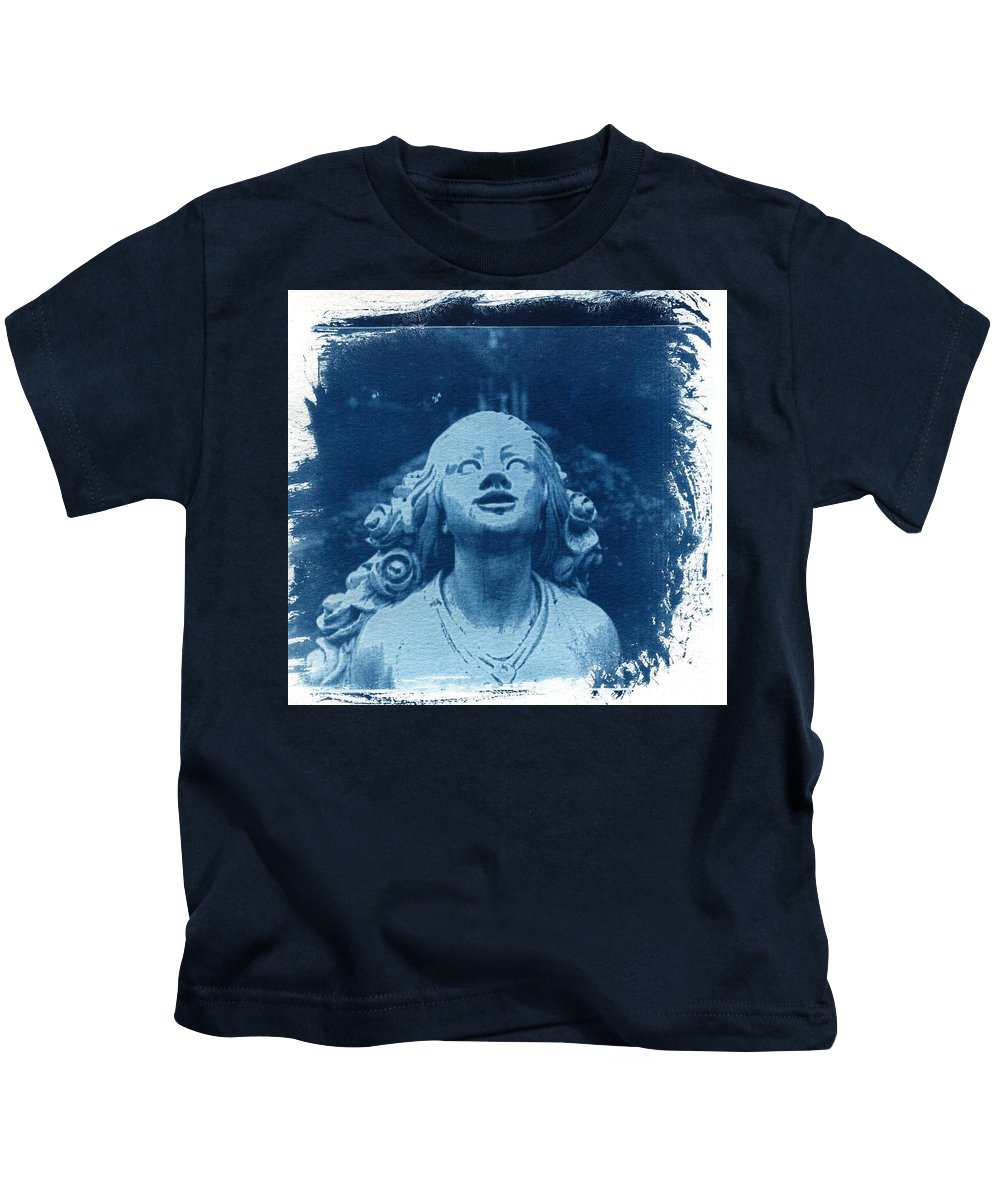 Head Kids T-Shirt featuring the photograph Looking Up by Jane Linders