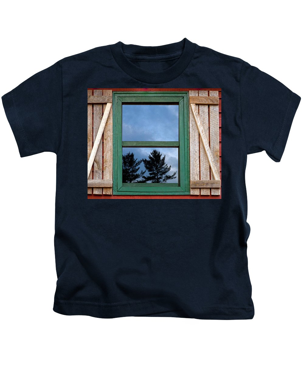 Old Red Wooden Cabin With Slatted Wood Siding Kids T-Shirt featuring the photograph Old Cabin Window by Amanda Austwick